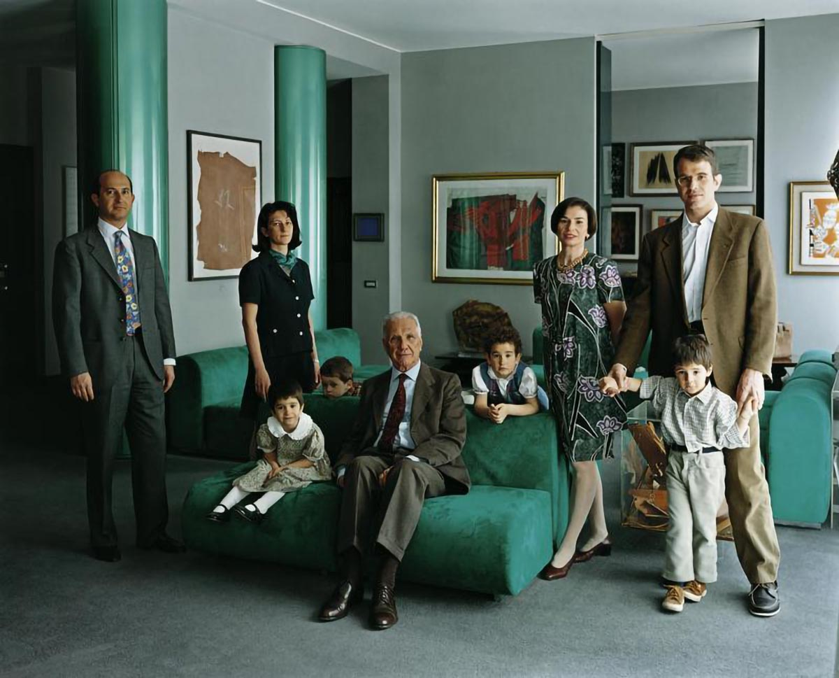 Thomas Struth. The Consolandi Family, Milan, 1996.