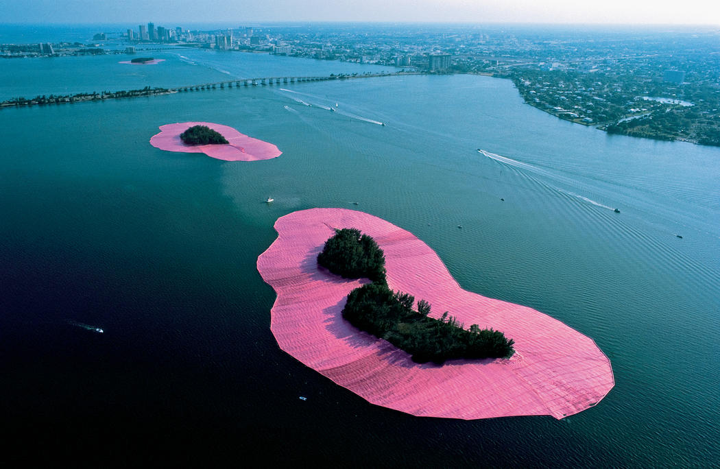 Christo Surrounded Islands (Project for Biscayne Bay, Greater Miami, Florida) Photo: Wolfgang Volz © 1982 Christo