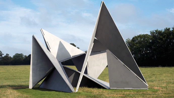 Fantastic Architecture I, 1963/2013, Stainless Steel, 520 x 780 x 710 cm, Artwork courtesy The Estate of Lygia Clark and Alison Jacques Gallery, London. Image copyright O Mundo de Lygia Clark-Associação Cultural, Rio de Janeiro, Courtesy Alison Jacques Gallery, London. Photography: Michael Brzezinski