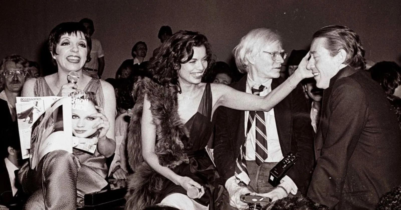 Liza Minnelli, Bianca Jagger, Warhol y Haslton