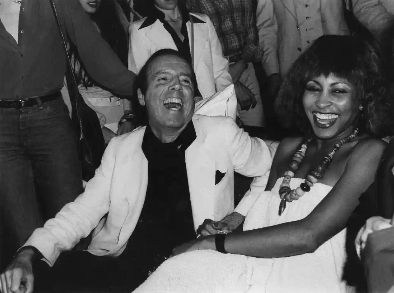 Tina Turner y Francesco Scavullo. Foto Rosa Hartman - Getty images
