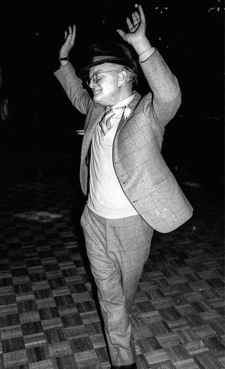 Truman Capote bailando en Studio 54. Foto Adam Scull-PHOTOlink.net