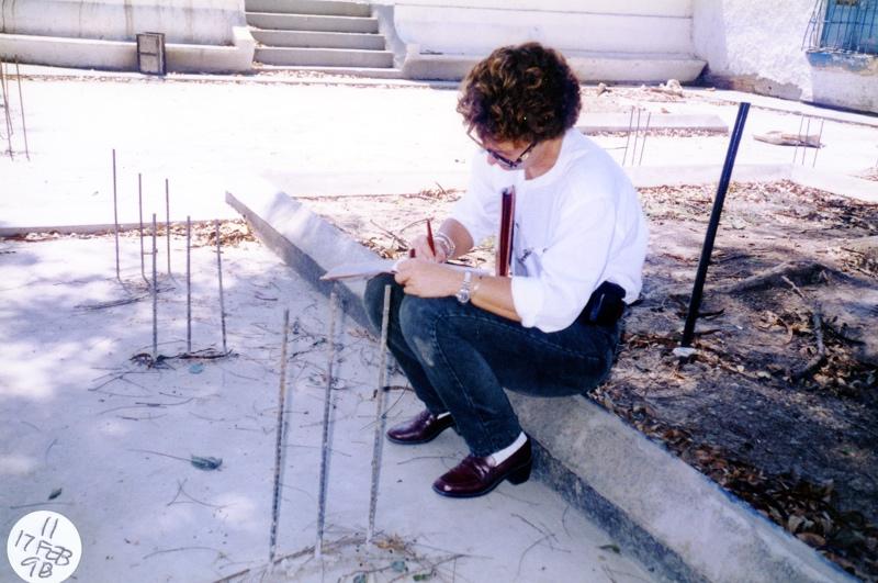 oly en supervisión de obra en El Consejo, edo Aragua. 1998