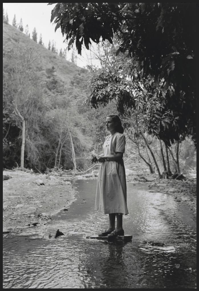 Alfredo Cortina. Guarenas 1956 ©Archivo Fotografía Urbana. Colección del MoMA.