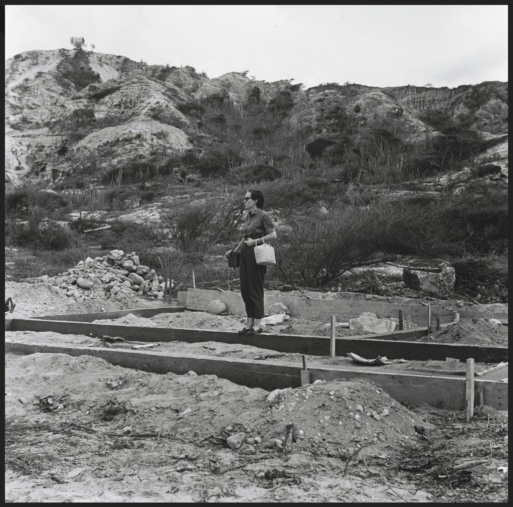 Alfredo Cortina. Ocumare de la costa 1960 ©Archivo Fotografía Urbana. Colección del MoMA.