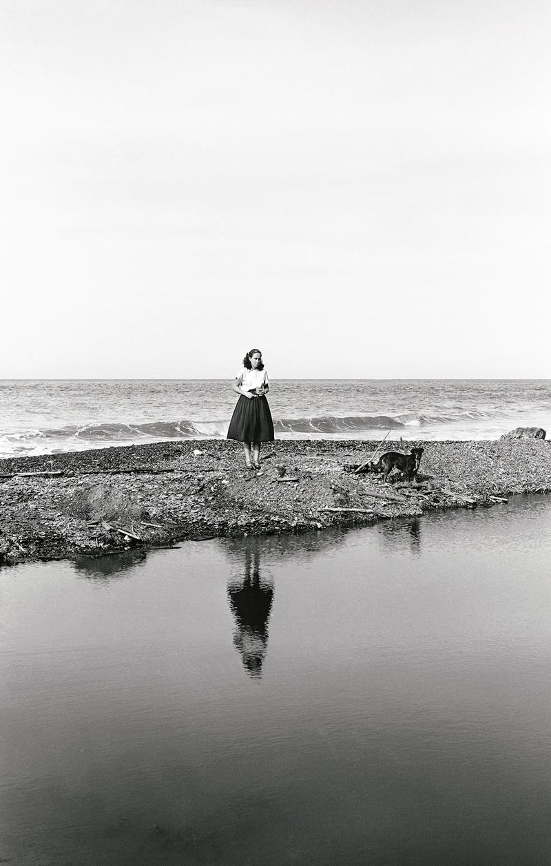 Alfredo Cortina. Pariata1955. ©Archivo Fotografía Urbana. Colección del MoMA.