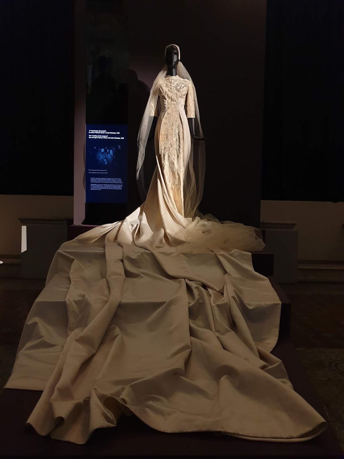 El vestido de Linda Christian de las hermanas Sorelle Christian