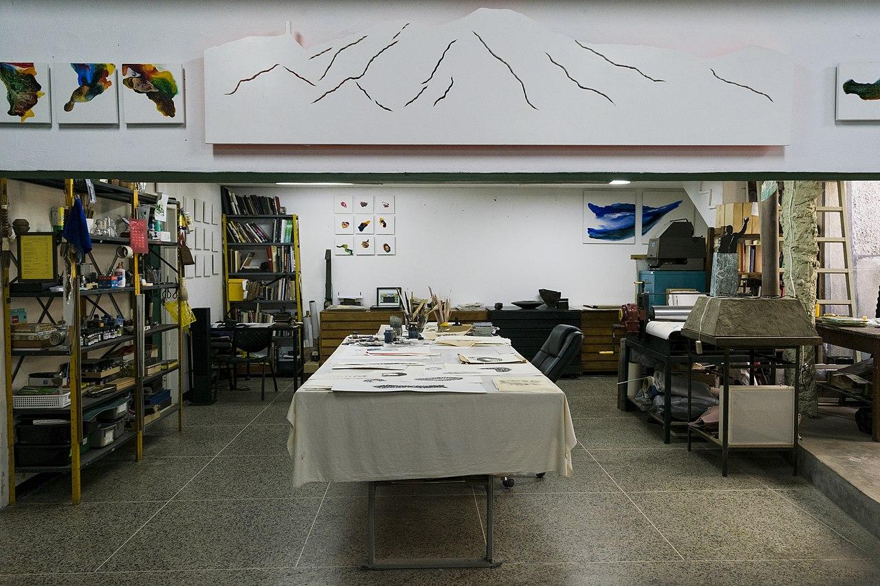 Estudio de Ricardo Benaim. Foto Josselin Chalbaud.