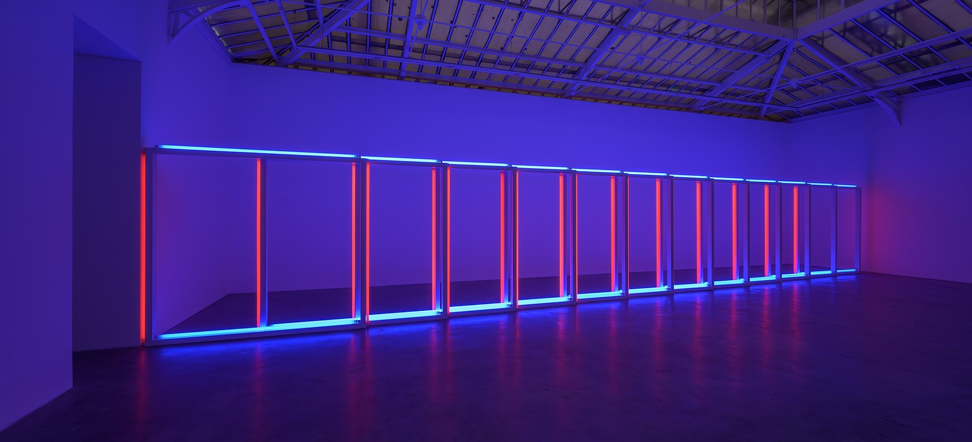 Dan Flavin, untitled, 1970. Installation view, David Zwirner, Paris, 2019
